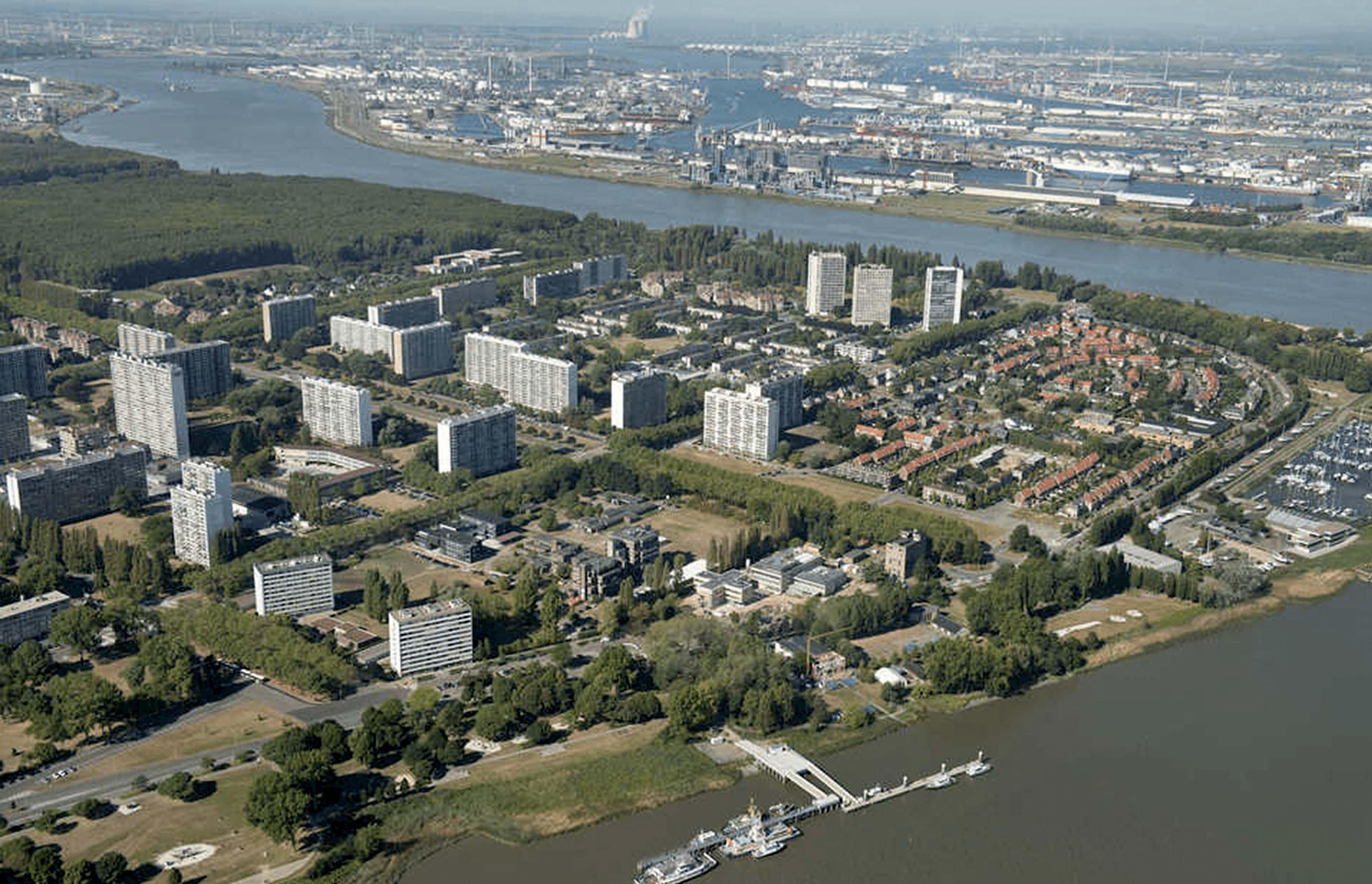 /site/assets/files/1516/od205_masterplan_antwerpen_linkeroever_luchtfoto.png